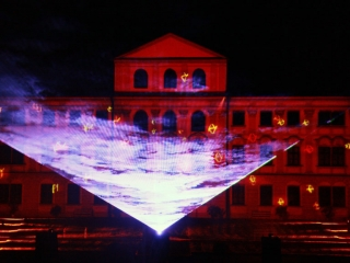 Holographic projection in water