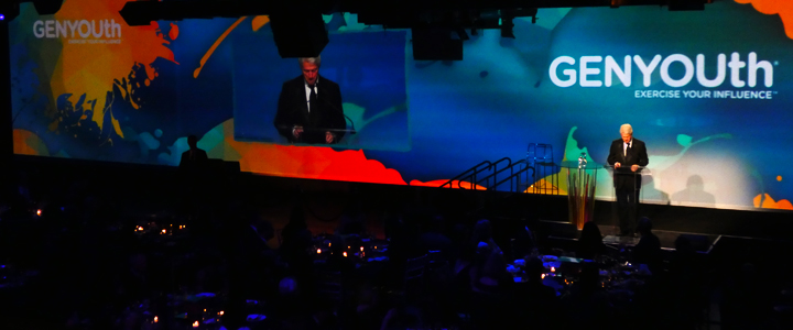 Gala dinner projection mapping with Bill Clinton